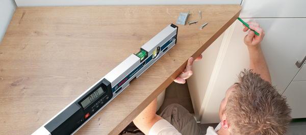 digitale wasserwaage mit laser werkzeug technik news f r heimwerker. Black Bedroom Furniture Sets. Home Design Ideas