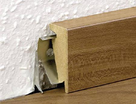 Sockelleisten zum anklipsen bauen renovieren news - Kabel durch wand bohren ...