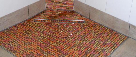 Bodengleiche Dusche Mosaikfliesen : Mosaikfliesen in bodengleichen Duschen Bauen & Renovieren News