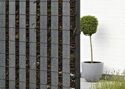 kreativ zaun mit dekor elementen garten news f r heimwerker. Black Bedroom Furniture Sets. Home Design Ideas