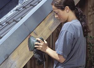 anleitung holz balkon reinigen und mit l behandeln diy info. Black Bedroom Furniture Sets. Home Design Ideas