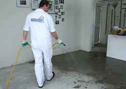 Garage streichen  Anleitung: Garagen-Boden mit Epoxid beschichten | DIY-Info