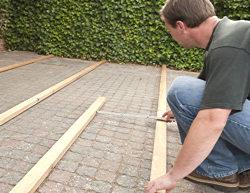 Fabulous Anleitung: Holz-Terrasse selbst bauen – Unterkonstruktion | DIY-Info RS61