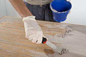 Anleitung: Esstisch abbeizen und mit Lacklasur neu streichen